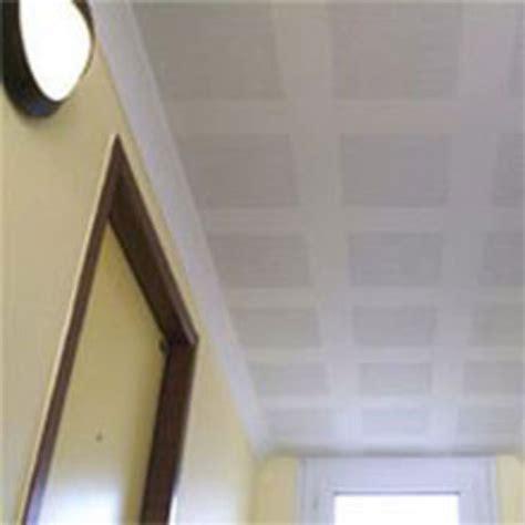 plafond suspendu sur ossature en plaques de pl 226 tre
