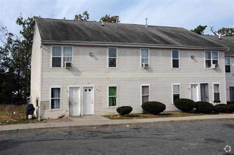 Apartment For Rent In Lakewood Nj 240 Clover St Lakewood Nj 08701 Rentals Lakewood Nj