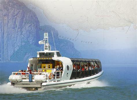 bateau mouche fjord service offerts otis excursions baleines zodiac