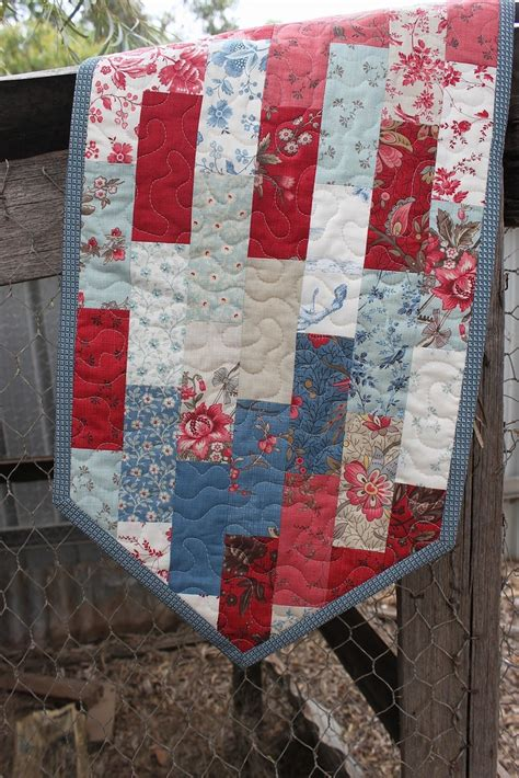 17 best ideas about patchwork table runner on