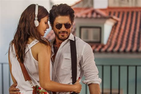film terbaru sharukhan jab harry met sejal box office collection day 1 jhms gets