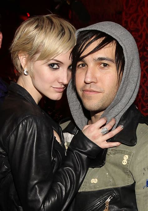 Ashlee Pete Wentz Cozy Up by Why Did Pete Wentz Ashlee Up A Look Back