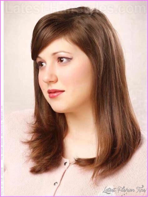 shoulder length haircuts bangs round face medium haircuts round face latestfashiontips com