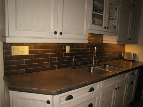 Installing Ceramic Backsplash by Installing Kitchen Backsplash Tile Zyouhoukan Net