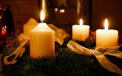 Composizioni Di Natale Con Candele - composizioni natalizie con candele 5 idee originali per