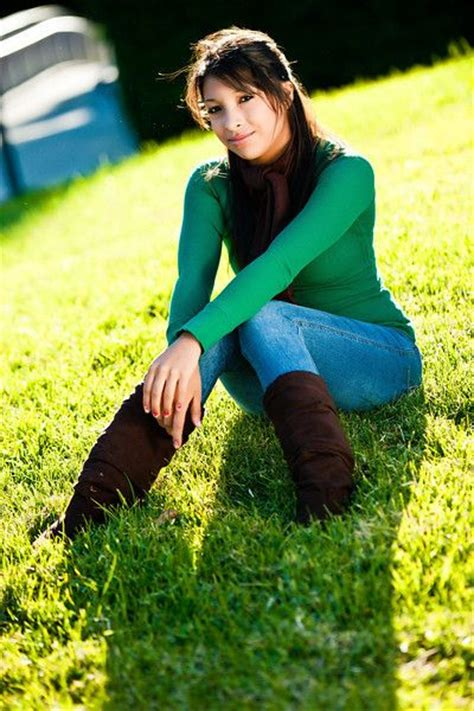 stylish quates poses girlz girl pose senior pictures portraits ideas and