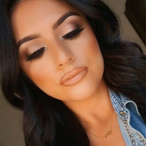 In Outer Samanta all that glitters lid nars galapagos outer corner