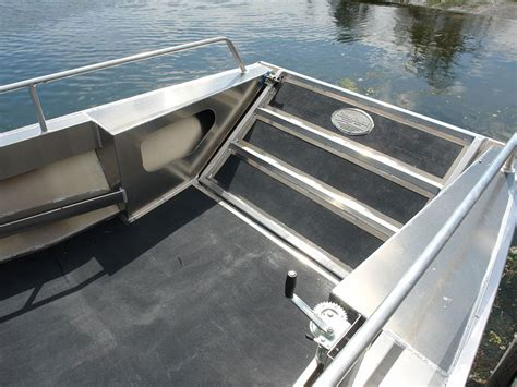 side console boats 18 sportsman landing craft side console aluminum boat