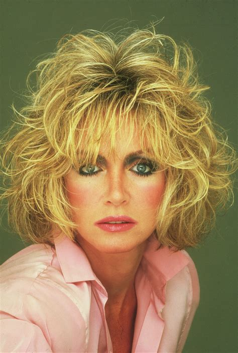 photos of donna mills curly frosted hairstyle from the 89s oltre 1000 idee su donna mills su pinterest gina