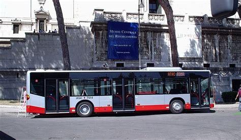 www agenzia mobilita roma it trasporto pubblico mezzi atac in tilt a roma per