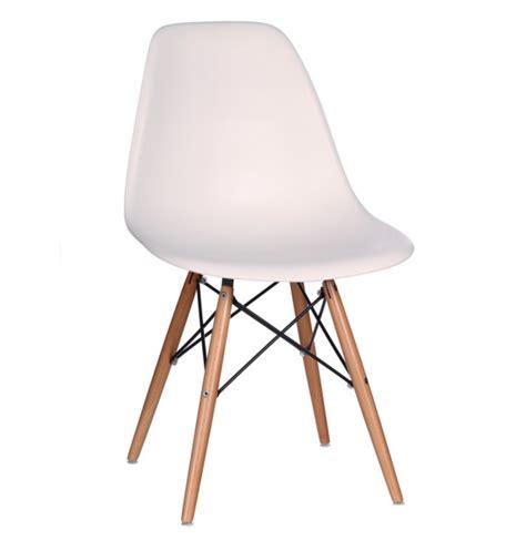 chaise vintage blanche esprit d autrefois 67016 magasin