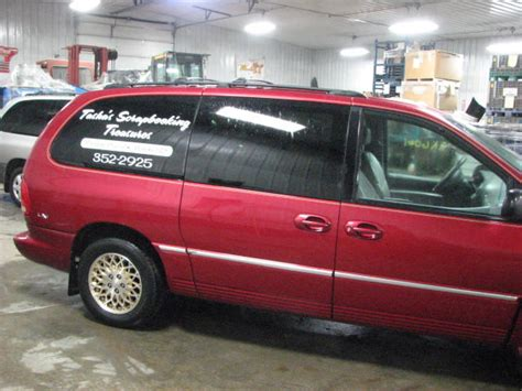 98 chrysler town and country 1998 chrysler town country rear quarter glass window