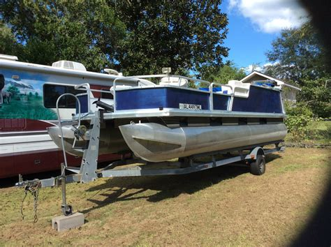 sun tracker pontoon for sale sun tracker pontoon boat 2000 for sale for 6 500 boats