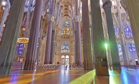 interior de la sagrada familia templo expiatorio de la sagrada familia