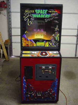 Space Invaders Cabinet by Retro Treasures Space Invaders Deluxe Arcade Cabinet