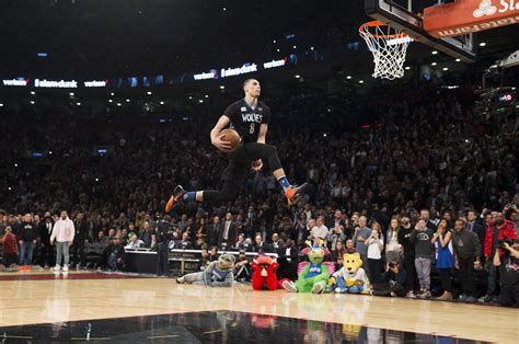 slam dunk lavine defends slam dunk title towns wins skills contest