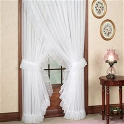 Jcpenney Ls Bedroom by 17 Best Priscilla Criss Cross Curtains Dorothy S Ruffled