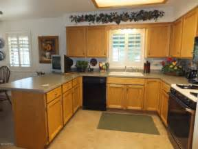 kitchen cabinets the cheapest kitchen cabinets brown