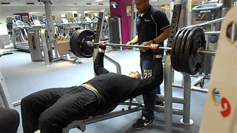 how to max out bench bench press 180kg 396lbs 1 rep max bodybuilding training