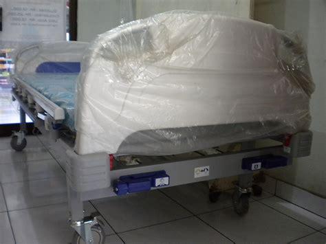 Bed Murah Semarang bed pasien 2 crank murah di semarang ready stock alkes