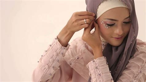 youtube tutorial hijab ala dewi sandra 7 peafowl tutorial by aprilia collection hijab instan