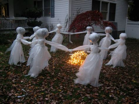 Plastic Garden Decoration by 46 Charming And Eerie Diy Outdoor Decorations