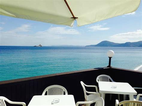 albergo le ghiaie portoferraio spiaggia di fronte all albergo picture of hotel le