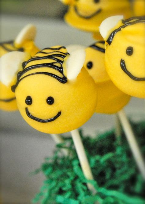 bumble bee cakes decoration ideas  birthday cakes