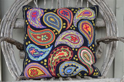 Rug Hooking Classes by Rug Hooking Wool Fabric Supplies And Classes Martina Lesar