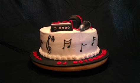 themed birthday cakes dj themed birthday cake cakecentral