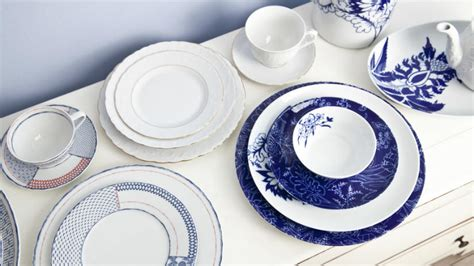 piatti e bicchieri di carta on line piatti di design una tavola contemporanea e chic dalani