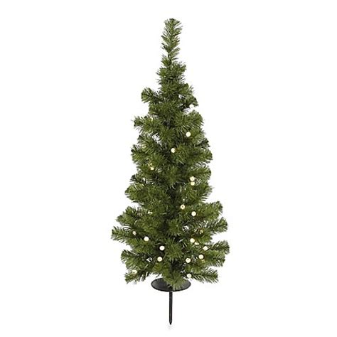 vickerman solar powered christmas tree with clear led