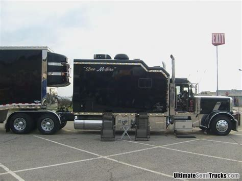 Peterbilt Custom Sleeper by Peterbilt With Custom Sleeper From The 2008 Mid America