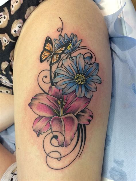 flower tattoo on thigh best 25 butterfly thigh ideas on