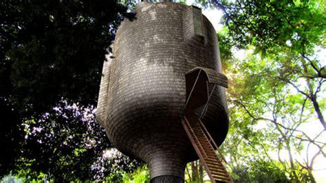 backyard treehouse ideas beautiful biomimicry treehouses look like part of the trees