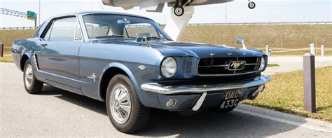 ford mustang awd