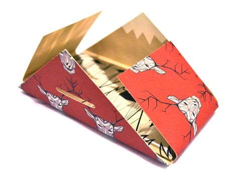 Origami Packaging Design - beautiful folds inspiration for folded fylers business