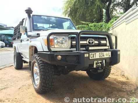 toyota trucks sa toyota landcruiser lx 4 5 v8 diesel pick up single