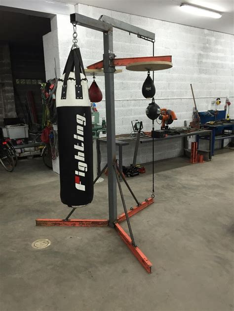 Bags That Pack A Punchor A Knife by Best 25 Heavy Bag Stand Ideas On Heavy