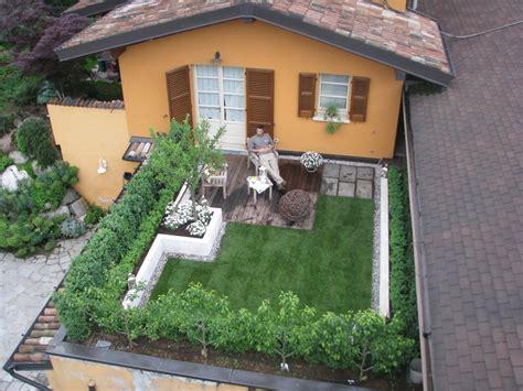 terrazza giardino pensile prato sul terrazzo una soluzione pratica per gli amanti