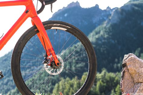 brake bedding end vibrating noisy disc brakes with a proper bed in process cyclingtips