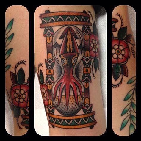 tattoo old school hourglass tattoostraditional on pinterest traditional tattoos