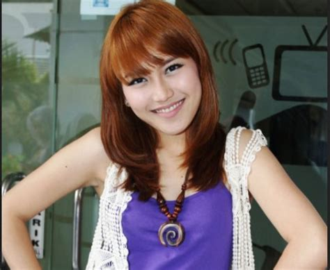 Model Rambut Ayu Ting Ting by Model Rambut Pendek Sebahu Untuk Wajah Lonjong