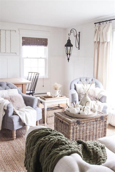 decorate  living room  fall popsugar home