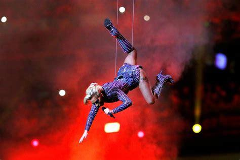Lady Gaga Super Bowl Memes - lady gaga memes super bowl 51 star compared to spongebob squarepants and spider man london