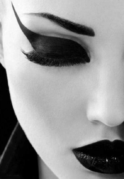 what makes the color black black and white make up makeup model image