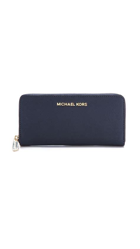 Michael Kors Travel Wallet Navy michael michael kors jet set travel za continental wallet navy in blue lyst
