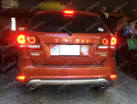 2005 jeep grand rear brake light bulb replace top brake light on jeep html autos post