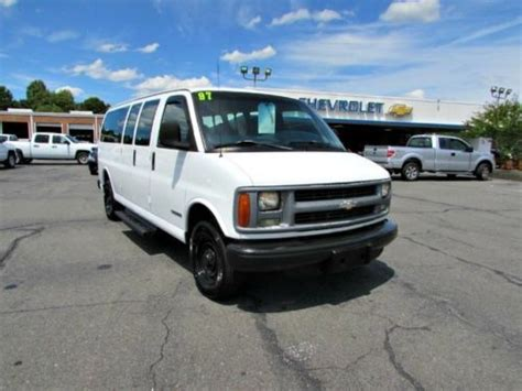 how cars run 1997 chevrolet express 2500 electronic toll collection buy used 1997 chevrolet express 15 passenger van extended vans automatic church bus in madison