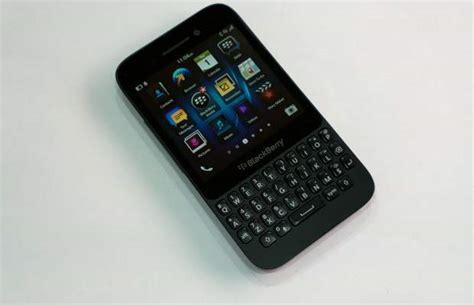 blackberry q5 mobile mobile review blackberry q5